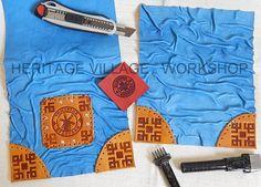 Удмуртия . Процесс работы над кожаной сумкой  с символикой музея-заповедника Лудорвай . Изделие выполняется из овечьей кожи насыщенного   голубого цвета  , вставки с тиснением из кожи КРС . #удмуртия , #музей_лудорвай , #udmurtia , #ludorvay , #leather_bags , #leathercraft , #удмуртский_орнамент , #мельница