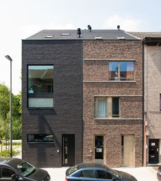 Simple terrace houses in brick with contrasting details