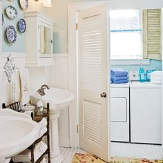 DIY:: 25+ Small Laundry Solutions: Ideas For Tiny Laundry Space !