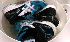 【オキシクリーン】靴を洗ってみた!無印良品とアシックスのスニーカーで検証 |comorie[コモリエ]