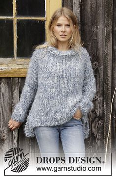 Cloud chasing / DROPS - free knitting patterns by DROPS design Knitted sweater with raglan in 3 strands DROPS Melody. The piece is worked top down with a high collar and side slits. Baby Knitting Patterns, Free Knitting, Finger Knitting, Scarf Patterns, Knitting Machine, Crochet Patterns, Drops Design, Mohair Sweater, Pulls