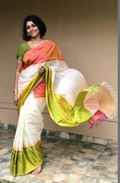 Sumitra selvaraj- check out on instagram @sareesandstories Indian Bridal Sarees, Indian Silk Sarees, Soft Silk Sarees, Indian Beauty Saree, Trendy Sarees, Stylish Sarees, Fancy Sarees, Satin Saree, Cotton Saree