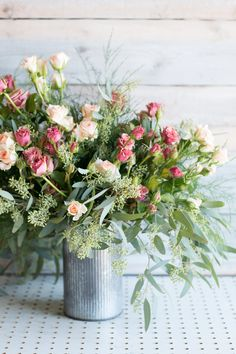 How to Arrange Flowers: 6 DIY Floral Arrangements | Architectural Digest
