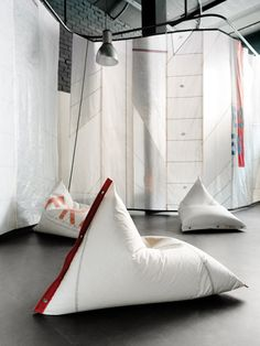 Get Out! DVELAS Furniture Made from Sails
