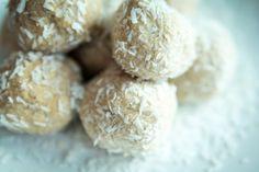 Coconut Macadamia Paleo Protein Balls!!!