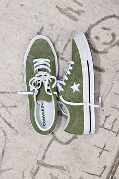 Converse One Star Sneakers worn by fashion blogger Lisa
