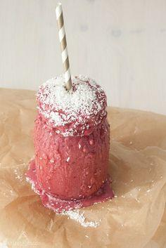Frozen Kirsch-Bananen-Smoothie mit Kokos - Frozen Cherry Banana Smoothie with Coconut