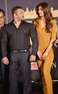 Salman Khan with Shilpa Shetty at an IIFA event. #Bollywood #Fashion #Style #Beauty #Hot #Sexy #Handsome