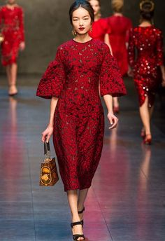 Fei Fei Sun at Dolce & Gabbana Fall 2013 RTW - Runway Photos - Fashion Week - Runway, Fashion Shows and Collections - Vogue. Runway Fashion, High Fashion, Fashion Show, Milan Fashion, Trendy Fashion, Style Fashion, Daily Fashion, Fashion Fashion, Fashion Design