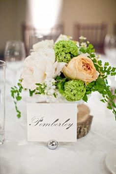 Weddbook is a content discovery engine mostly specialized on wedding concept. You can collect images, videos or articles you discovered organize them, add your own ideas to your collections and share with other people - Houx Flora