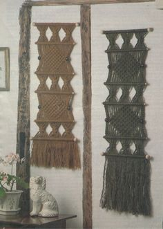 This is a digital PDF Macrame pattern, instructions for you to download on to your computer and print off at home (it is not a paper pattern). It is not the finished item it is the instructions for you to make yourself. Pattern instructions are in English (UK).  PDF Macrame Pattern  Wall Hanging  Cord required : Bulkycord or Homespun Jute  Measurements : approx 28cm wide x 70cm long excluding fringe, instructions given for 1 size.  This is an Instant Digital Download.