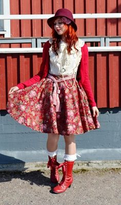Anna, she mixes up dolly-kei and lolita.