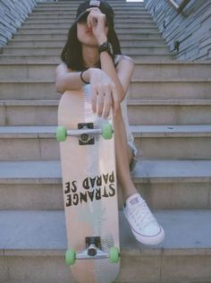 Skate Photos, Skateboard Pictures, Skateboard Girl, Skateboard Tumblr, Skater Girl Style, Skater Girl Outfits, Photographie Indie, Shotting Photo, Skate Girl
