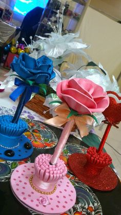 Handmade Nylon Flowers Arrangement in the Colorfull от LiYunFlora Cd Crafts, Foam Crafts, Diy And Crafts, Picture Frame Crafts, Flower Pens, Nylon Flowers, Free To Use Images, Cup Art, Pencil Toppers