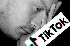 आपका Tik-Tok हो सकता Hack जाने कैसे ? Mobile Offers, Tik Tok, Hacks, Tips