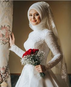 Tesettür Giyim ( 6821 Likes 55 Comments ) Muslim Wedding Gown, Hijabi Wedding, Muslimah Wedding Dress, Muslim Brides, Muslim Dress, Pakistani Wedding Dresses, Wedding Gowns, Muslim Girls, Muslim Couples