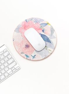 Refresh your desk with this DIY floral mouse pad!