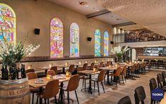HEKKER  Interieurbouw - Gouds glas - TOOKO – Inspiratie voor een exclusieve werkomgeving Ramen, Conference Room, Restaurant, Table, Furniture, Home Decor, Homemade Home Decor, Diner Restaurant, Meeting Rooms