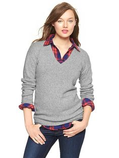 This Gap v-neck sweater keeps popping everywhere. It would look so good layered with a button up (helloo preppy)