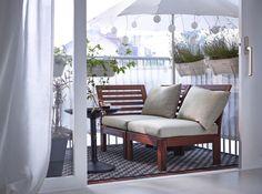 <p><strong>Balkony</strong> w sezonie wiosenno-letnim stają się, obok salonów, najbardziej reprezentatywnymi pomieszczeniami w naszych mieszkaniach. Sprawdźcie jak odświeżyć balkon na wiosnę i jak zadbać o to, aby wyglądał perfekcyjnie!</p>