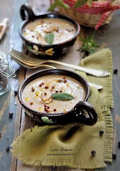 Cream of Mushroom Soup Creamed Mushrooms, Stuffed Mushrooms, Soup Recipes, Cooking Recipes, Romanian Food, Romanian Recipes, Creamy Mushroom Soup, Good Healthy Recipes, Soups And Stews