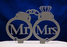 Handcuffs wedding cake topper - Mr and Mrs inside handcuffs with diamond wedding cake topper - police cake topper The Office Wedding, Police Wedding, Purple Wedding, Dream Wedding, Fall Wedding, Diamond Wedding Cakes, Police Cakes, Wedding Fotos, Prison Wife