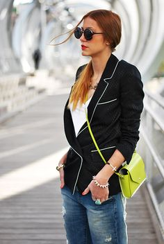 Made With Fashion | a fashion blog by Andrea Gomez: CASUAL LOOK WITH A FLUOR TOUCH