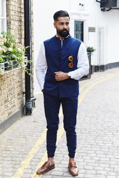 white shirt with navy blue nehru jacket - Wedding And Engagement Mens Indian Wear, Mens Ethnic Wear, Indian Groom Wear, Indian Men Fashion, Men's Fashion, Indian Suits, Fashion Suits, Best Wedding Suits, Wedding Dresses Men Indian