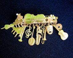 Guitar Violin Charms Lapel Pin Brooch Musical Arts Theater Tie Hat Pin Gold Toned