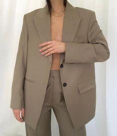 Fashion Gone rouge, Fashion Details, Look Fashion, Fashion Outfits, Fashion Design, Fashion Gone Rouge, Minimal Fashion, Mode Inspiration, Capsule Wardrobe, Vintage Outfits
