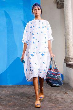 Daniela Gregis at Milan Fashion Week Spring 2015 - Runway Photos Flannel Fashion, Flirt, Milan Fashion Weeks, Everyday Dresses, Madame, Mode Inspiration, Simple Dresses, Dress Patterns, Ideias Fashion