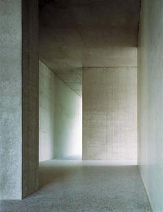 Christian Kerez | Forsterstrasse Apartments, 2003 Zurich.