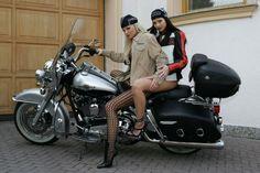 http://picasaweb.google.com/lh/view?q=silvia+saint=G=1