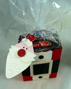 Favor box with Santa tag