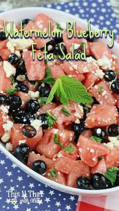 Fruit Salads are cool, refreshing and delicious! Add in some feta and you have a fun twist! Grab this Watermelon Blueberry Feta Salad Recipe. Side Dishes Easy, Side Dish Recipes, Tasty Dishes, Wine Recipes, Easy Family Meals, Easy Meals, Cheap Meals, Family Recipes, Sangria