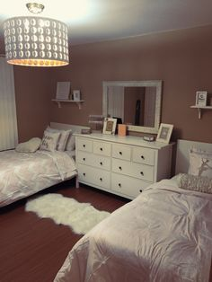 43 cute dorm rooms ideas for girls were obsessing over 6 Shared Girls Room Cute dorm girls Ideas obsessing Rooms Room, Shared Bedroom, Shared Bedrooms, Shared Girls Bedroom, Girls Dorm Room, Teenage Girl Bedrooms, Room Inspiration, Room Decor, Bedroom Decor