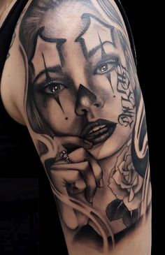 Celebrate Life and Death With These Awesome Day of the Dead Tattoos - beautiful Dia de los Muertos tattoo © tattoo artist thg. Chicanas Tattoo, Skull Girl Tattoo, Girl Face Tattoo, Clown Tattoo, Girl Tattoos, Tattoos For Guys, Inca Tattoo, Skull Tattoos, Chicano Tattoos Sleeve
