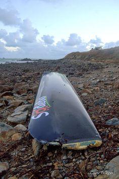 L'étrave de Sodebo Ultim' retrouvée sur les côtes finistériennes #RDR2014 #RouteduRhum #Ultime | www.scanvoile.com