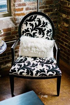 chic furniture! photo: Andie Freeman