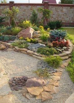A kert akkor igazán gyönyörű, ha gondozva van. Ha nagy az udvarunk, nem biztos, hogy van rá időnk, hogy az egész területet beültessük virágokkal és gondozzuk őket. Ilyenkor remek megoldás, egy kis rész, amely gyönyörűen ki van alakítva. A kertben elkülönített részeket alakíthatunk ki, ahová akár virágokat, akár örökzöld növényeket ültethetünk. A különleges kövek és...Olvasd tovább