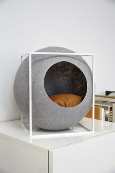 Classy Furniture for Discerning Cat! #TheCube Mobilier Chic pour Chat Exigeant! #theCube