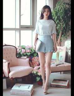 daily 2017 feminine& classy look Korean Fashion Trends, Asian Fashion, Look Fashion, Girl Fashion, Fashion Dresses, Fashion Design, Looks Teen, Girls In Mini Skirts, Ulzzang Fashion