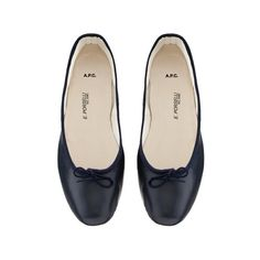 Smooth leather Porselli ballet flats (8.935 RUB) ❤ liked on Polyvore featuring shoes, flats, scarpe, flat shoes, ballet shoes, navy blue shoes, flat pumps and navy flat shoes