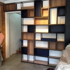 Things That You Need To Know When It Comes To Industrial Decorating You can use home interior design in your home. Industrial House, Industrial Furniture, Industrial Style, Shelving Design, Bookshelf Design, Shelf Furniture, Furniture Design, Regal Design, Shop Interiors