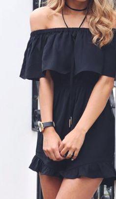 Vestido negro sin hombros