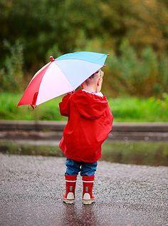 Fingerspiel: Es regnet ganz sacht