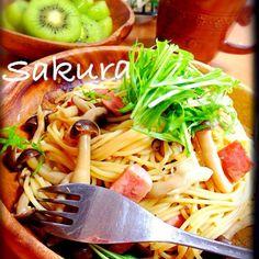 美和ちゃん、早速作ったよ〜  朝昼兼用のブランチで⭐️ (்͂ॢᵋ்͂ॢ)フ⁰フ⁰ෆ*  簡単で、みんなに大好評!!  レシピ、(*´╰╯`๓){Thanks❣❣*。 - 250件のもぐもぐ - 美和さんの料理 きのことベーコンのバター醤油パスタ❤️ by sakuchin