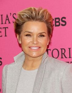 The star and her husband split after four years of marriage. (Getty Images)