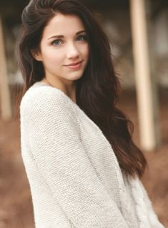 (FC: Emily Rudd) Hi, my name is Hope. I'm 18 and single as it gets. I'm pretty awkward and can be shy at times. When nervous, I tend to talk a lot. But I'm really friendly and love meeting new people, so introduce?
