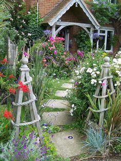 cottage garden Small-Space Gazebo Living room - Home and Garden Design Ideas Garden Decor? Dream Garden, Garden Art, Garden Design, Path Design, Jardin Decor, Seaside Garden, Front Yard Design, Garden Trellis, Garden Fencing